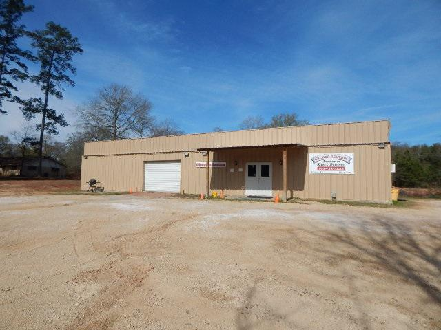 Photo of home for sale at 1550 ST HWY 155 S., Gilmer TX