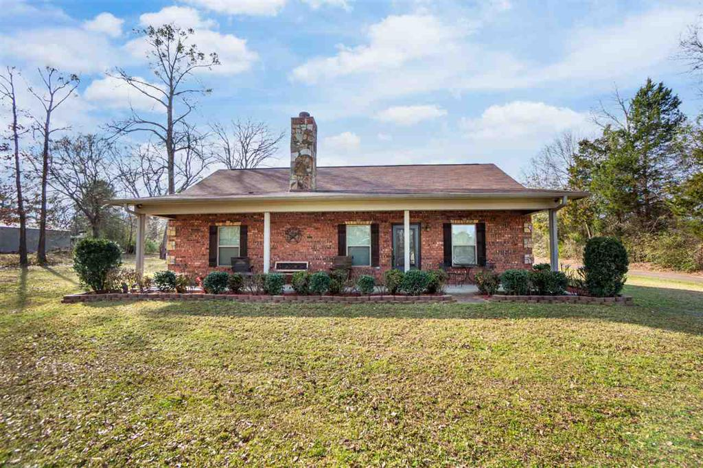 Photo of home for sale at 533 CR 115 D-1, Overton TX