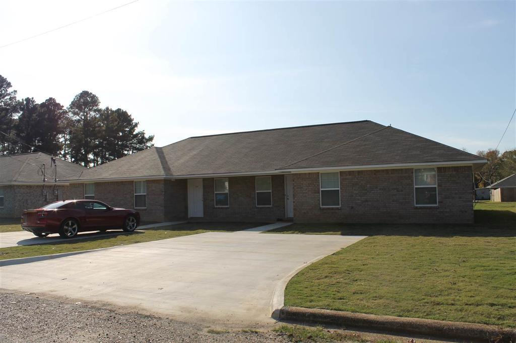 Photo of home for sale at 1211-1213 Kirby, Texarkana AR
