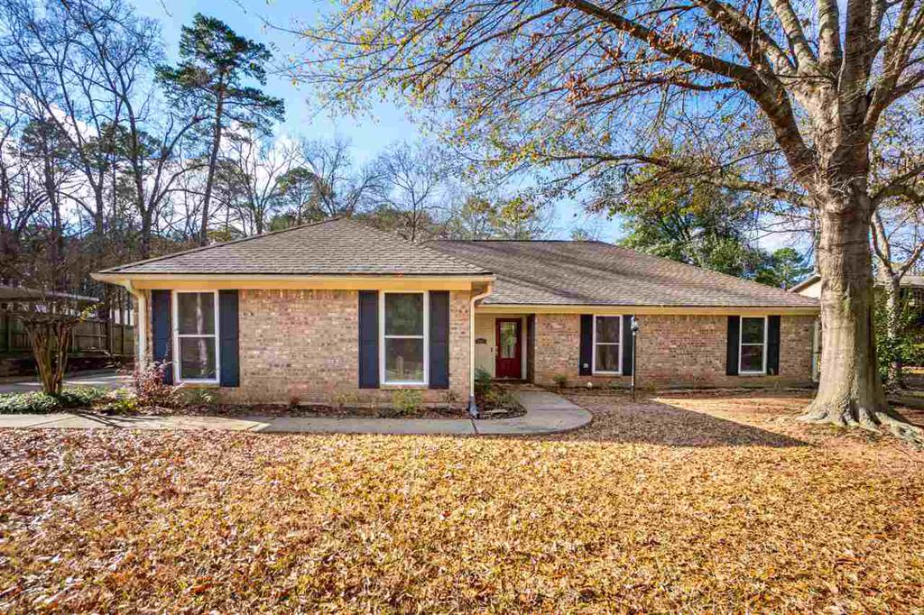 Photo of home for sale at 5221 Wood, Longview TX