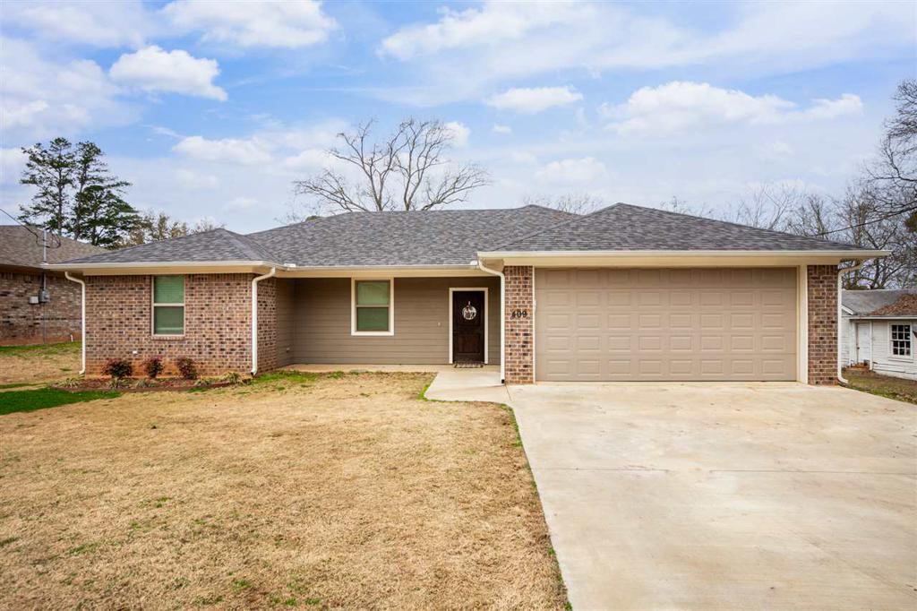 Photo of home for sale at 409 Trinity St., White Oak TX