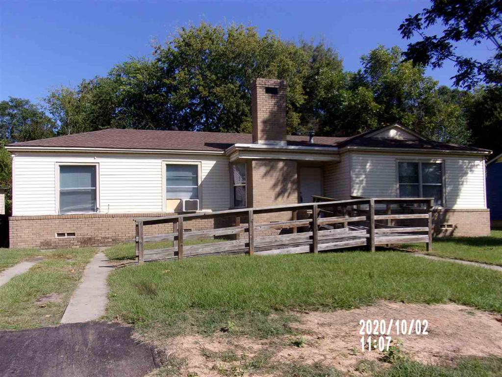 Photo of home for sale at 415 Diane Dr, Longview TX