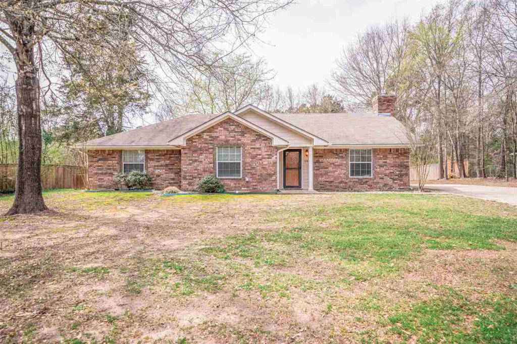 Photo of home for sale at 1103 North Lynn St., Gladewater TX