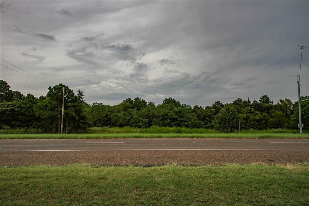 Photo of home for sale at 1200 Eastman Road, Longview TX