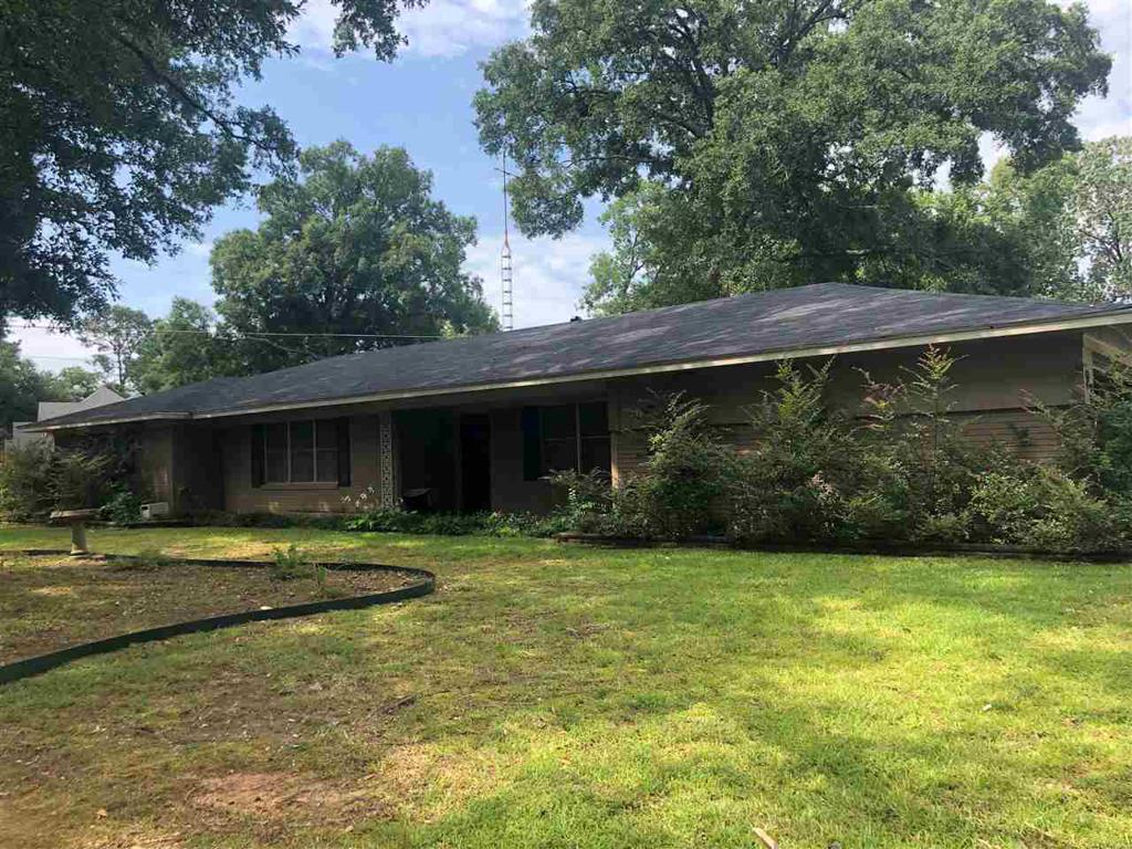Photo of home for sale at 22 Rambling Rd, Longivew TX