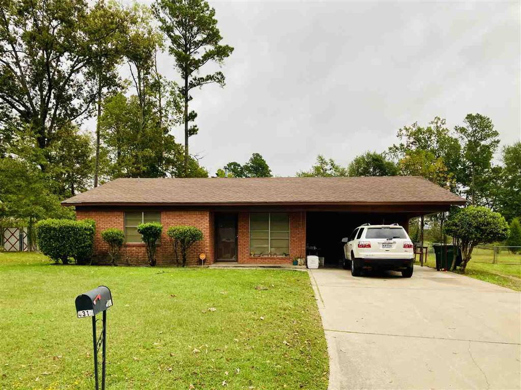 Photo of home for sale at 4315 Idylwild Ter, Marshall TX