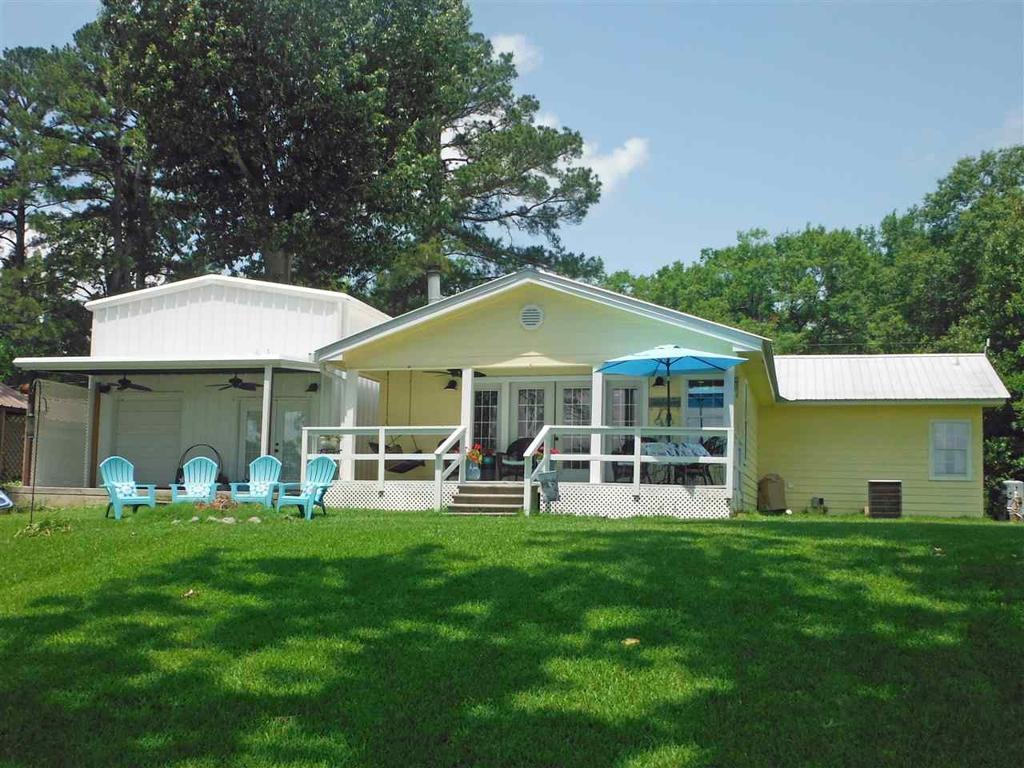 Photo of home for sale at 509 CR 1572, Carthage TX