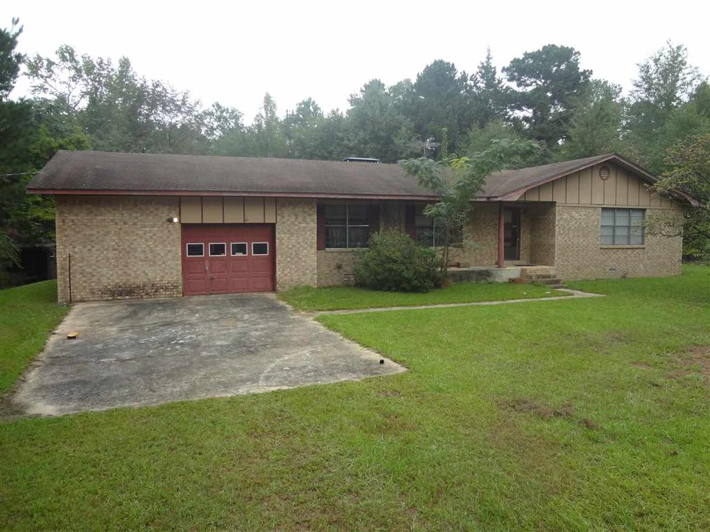 Photo of home for sale at 165 CR 1148, Atlanta TX