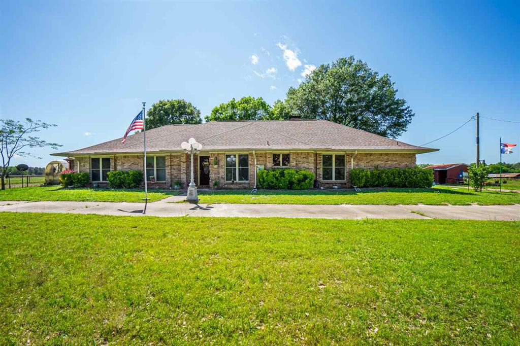 Photo of home for sale at 1347 CR 4510, Pittsburg TX