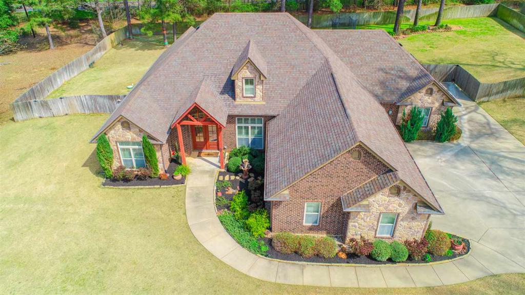 Photo of home for sale at 185 Timber Falls, Longview TX
