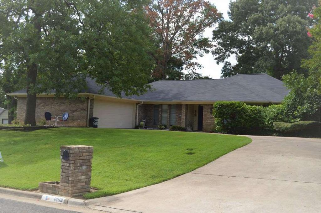 Photo of home for sale at 1403 NORTHGLEN CT, Longview TX