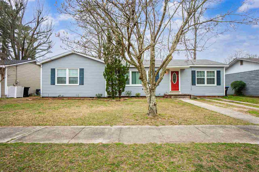 Photo of home for sale at 124 Ann DR, Longview TX
