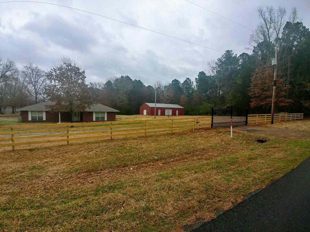 Photo of home for sale at 2831 River Rd, Kilgore TX