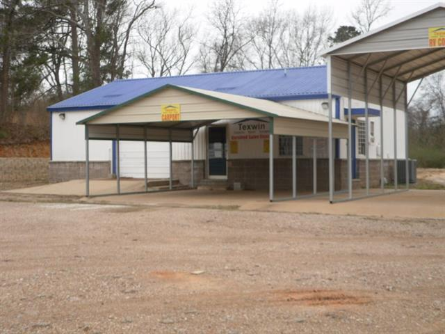 Photo of home for sale at 604 US HWY 271 S, Gilmer TX