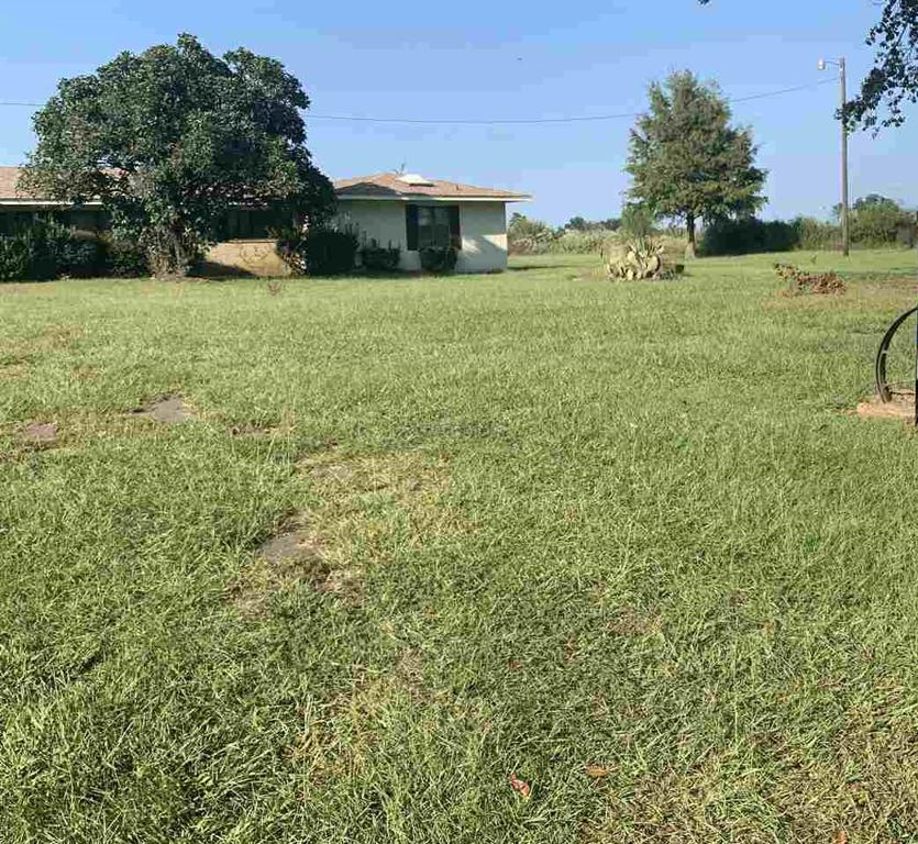 Photo of home for sale at 219 County rd 3312, Pittsburg TX