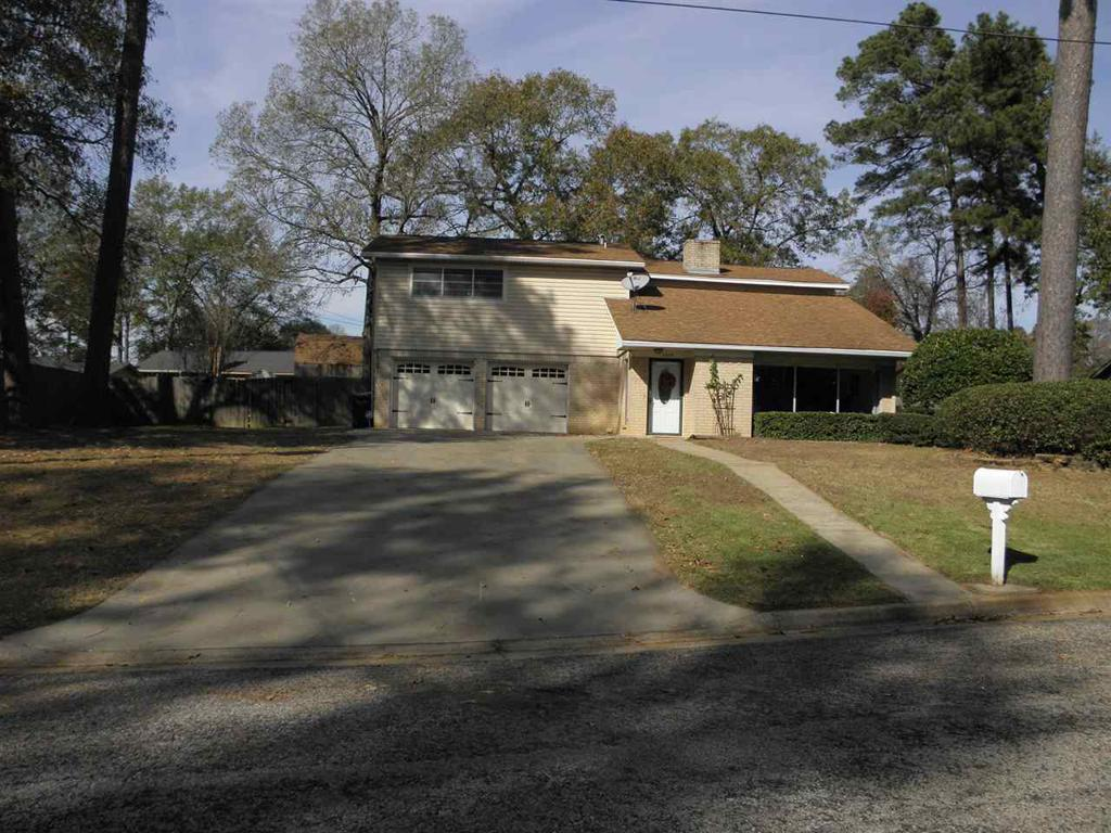 Photo of home for sale at 4309 Fitzgerald St., Marshall TX
