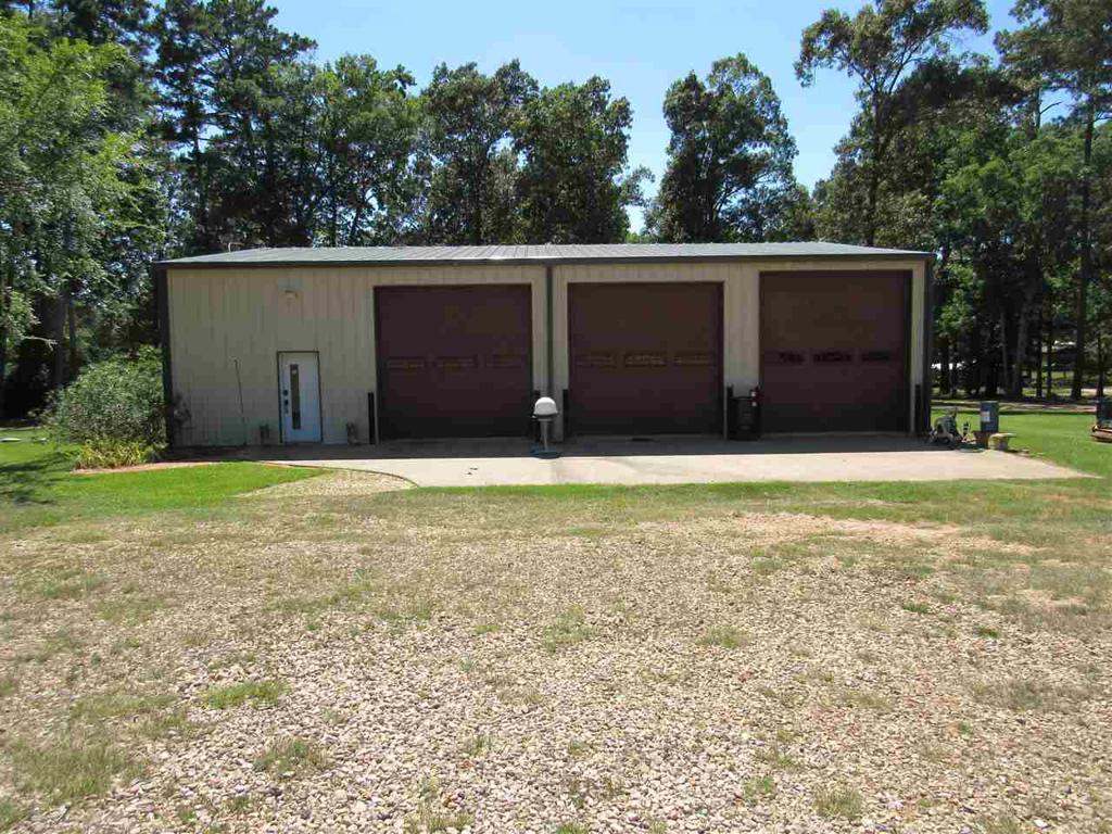 Photo of home for sale at 221 Loma Vista, Hallsville TX