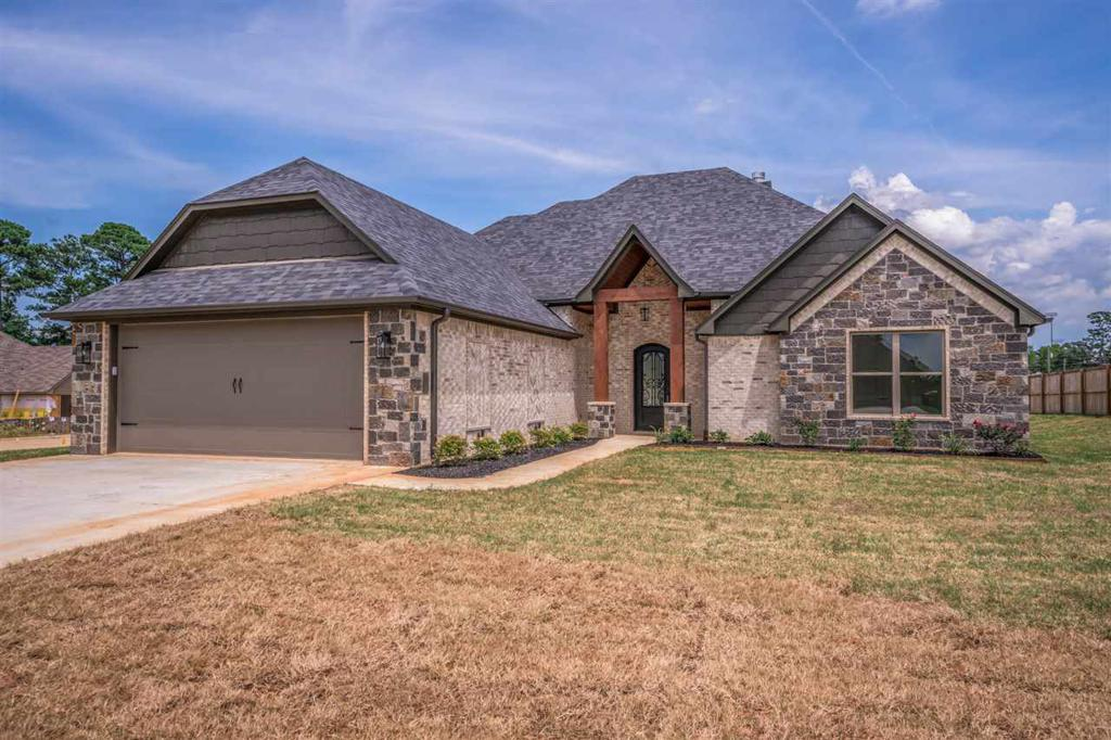 Photo of home for sale at 225 Saddle Brook Circle, Hallsville TX