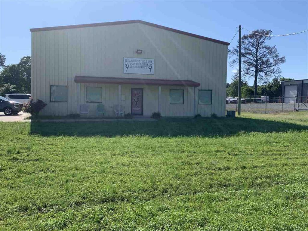 Photo of home for sale at 241 MARVIN A SMITH, Kilgore TX