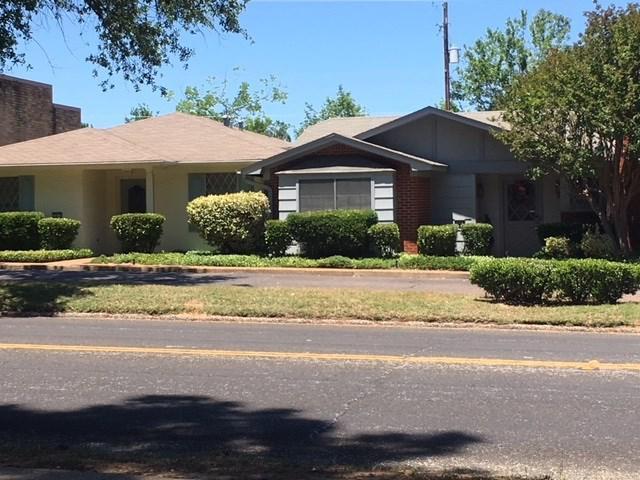 Photo of home for sale at 1501-1515 FAIRMONT DR., Longview TX