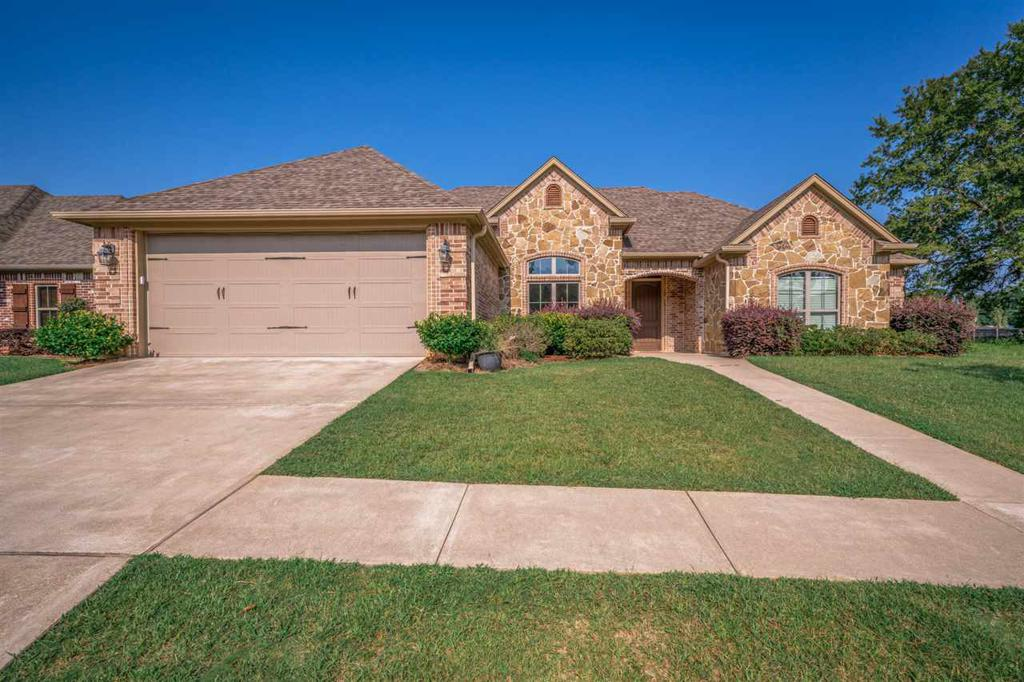 Photo of home for sale at 5603 Grey Hawk Lane, Longview TX