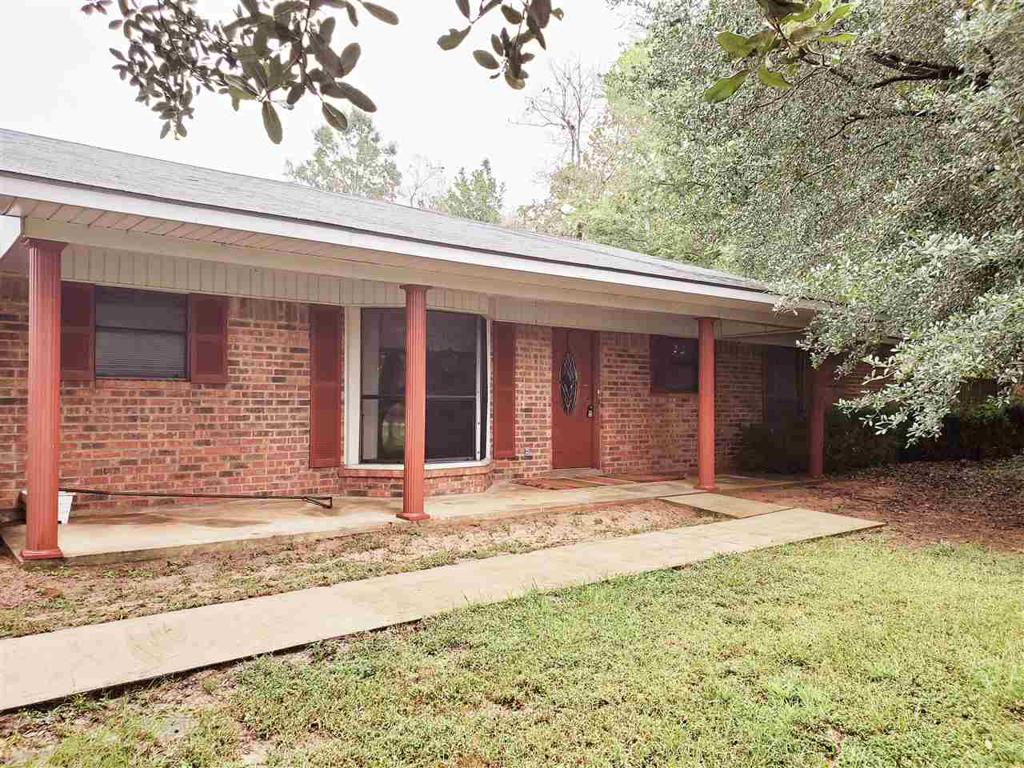 Photo of home for sale at 1818 US Hwy 79, Carthage TX