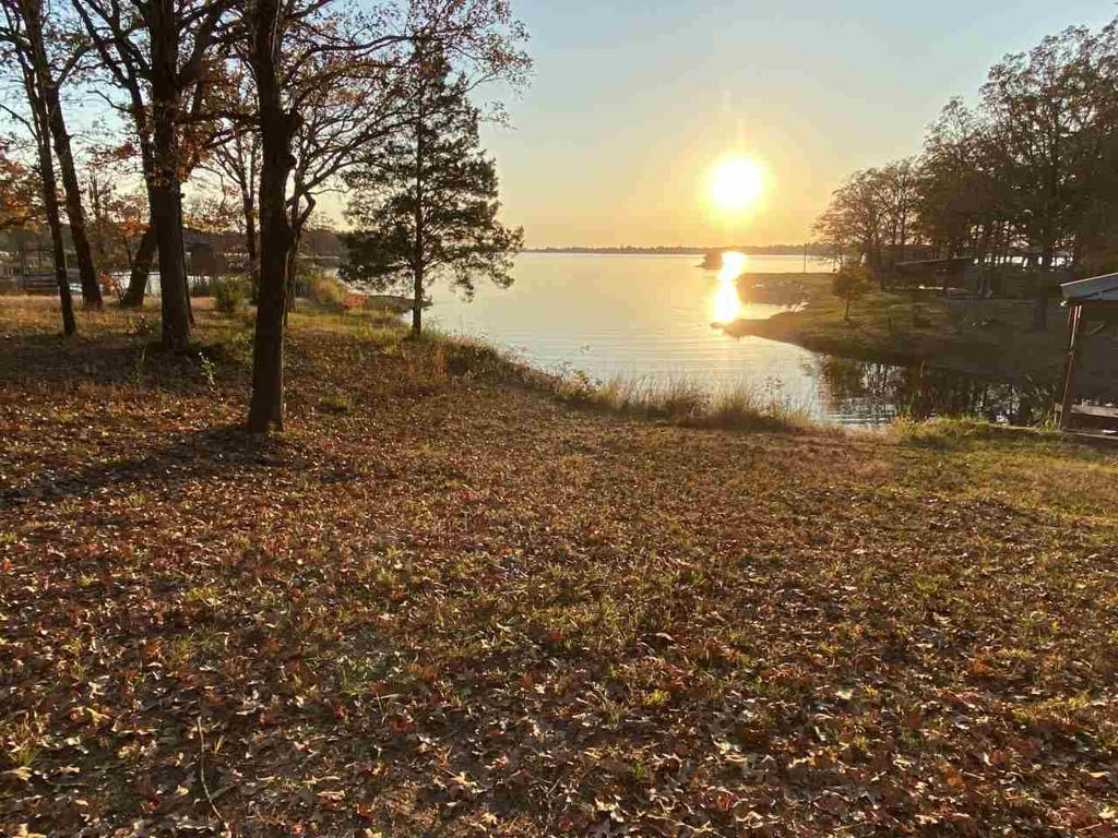 Photo of home for sale at 150 PR 5184, Quitman TX