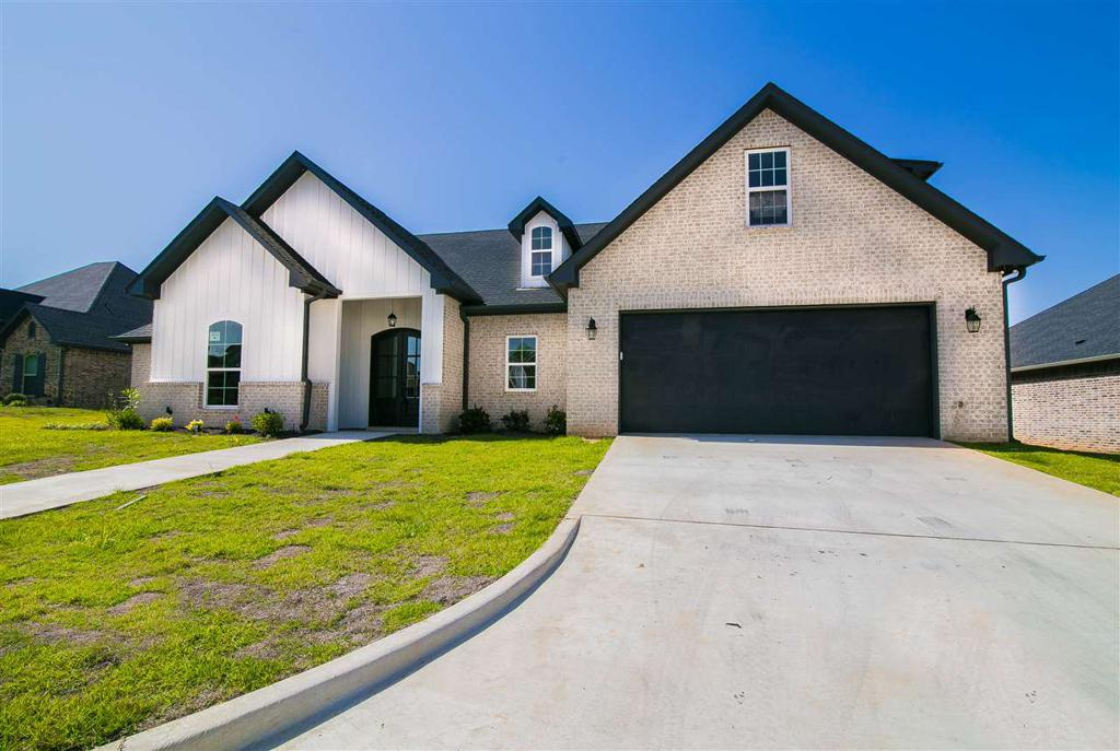 Photo of home for sale at 209 New Braunfels, Hallsville TX