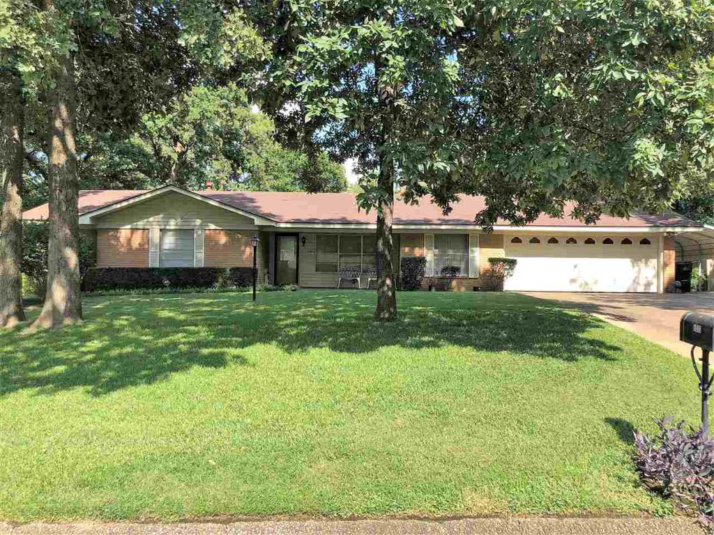 Photo of home for sale at 1010 Trailwood, Longview TX