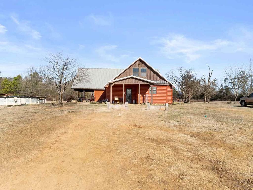 Photo of home for sale at 8600 Hyena, Gilmer TX