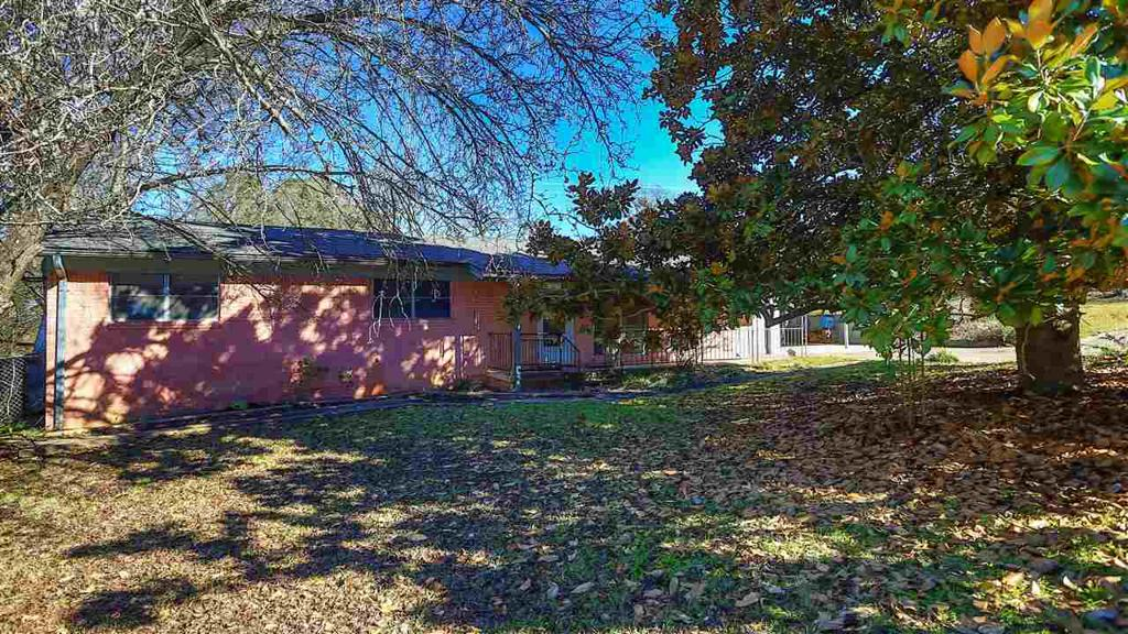 Photo of home for sale at 5750 Hwy 154, Marshall TX