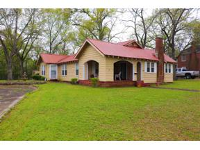 Property for sale at 321 Warren St, Gilmer,  Texas 75644