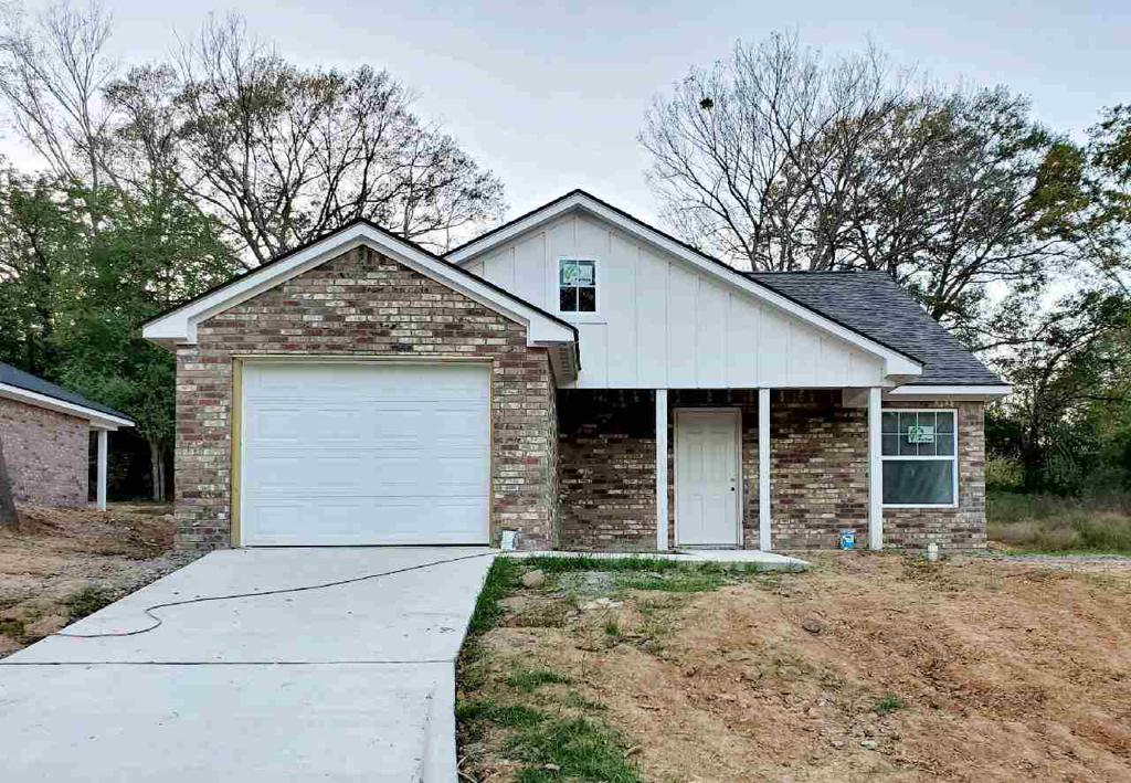 Photo of home for sale at 502 Abney St, Gilmer TX