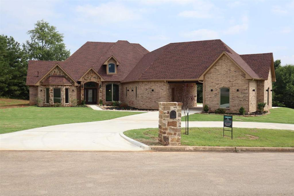 Photo of home for sale at 204 Creekside Dr, Marshall TX