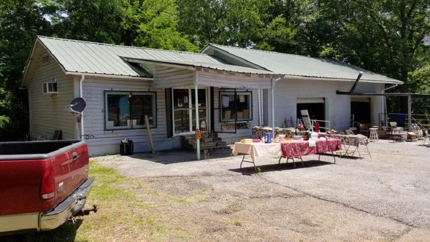 Photo of home for sale at 1445 HWY 259, Daingerfield TX
