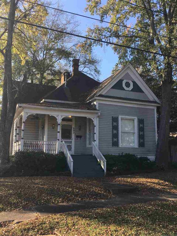 Photo of home for sale at 602 Rusk St, Marshall TX