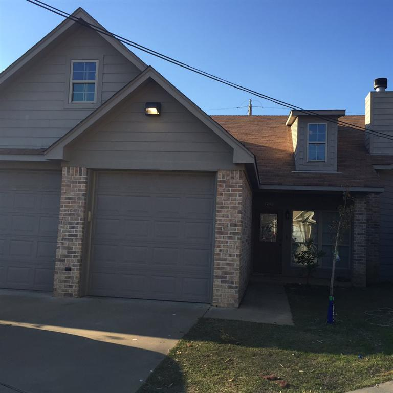 Photo of home for sale at 1203 Silver Spur, Longview TX