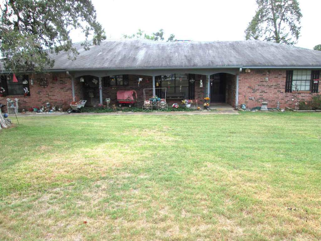 Photo of home for sale at 6564 Goldenrod Rd, Gilmer TX