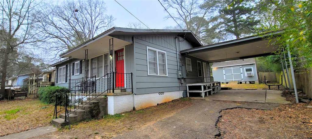 Photo of home for sale at 1504 Alice, Gladewater TX
