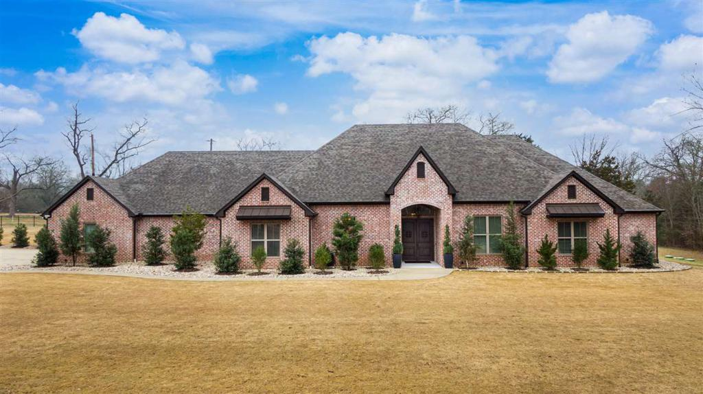 Photo of home for sale at 4232 White Oak Rd, Gladewater TX