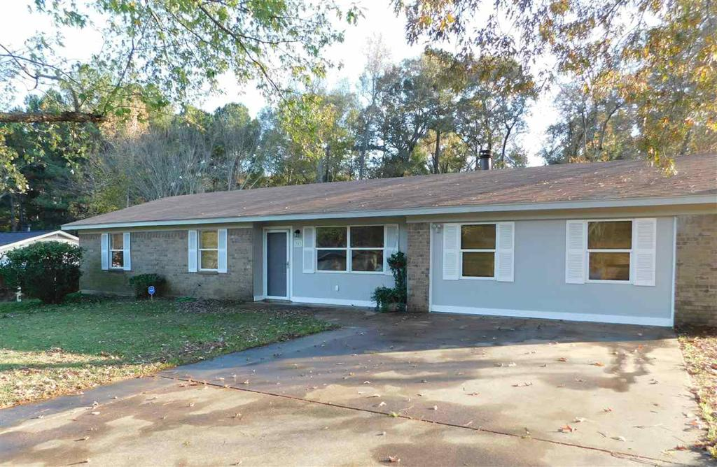 Photo of home for sale at 303 Polk St., Longview TX