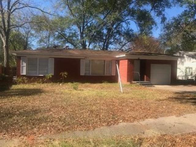 Photo of home for sale at 709 Martha, Gladewater TX
