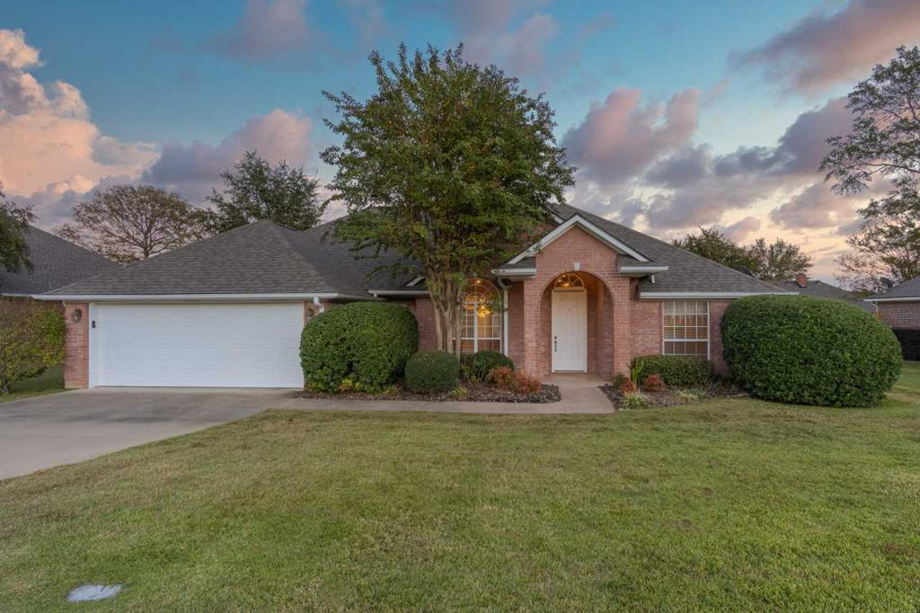 Photo of home for sale at 2804 HICKORY STICK  CT, Longview TX