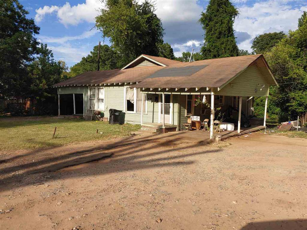 Photo of home for sale at 1410 12th, Longview TX