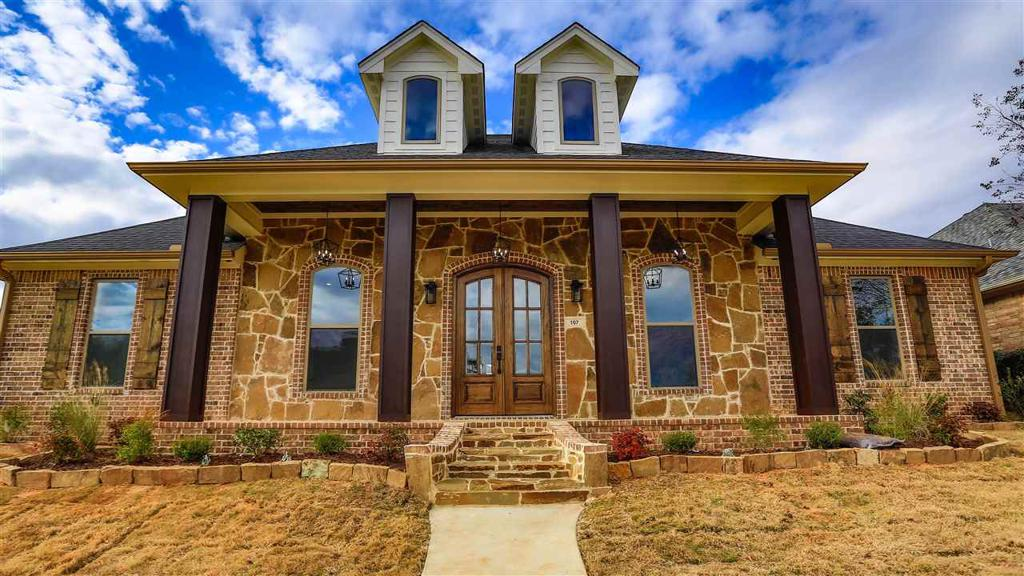 Photo of home for sale at 107 Garden Vista Dr, Marshall TX