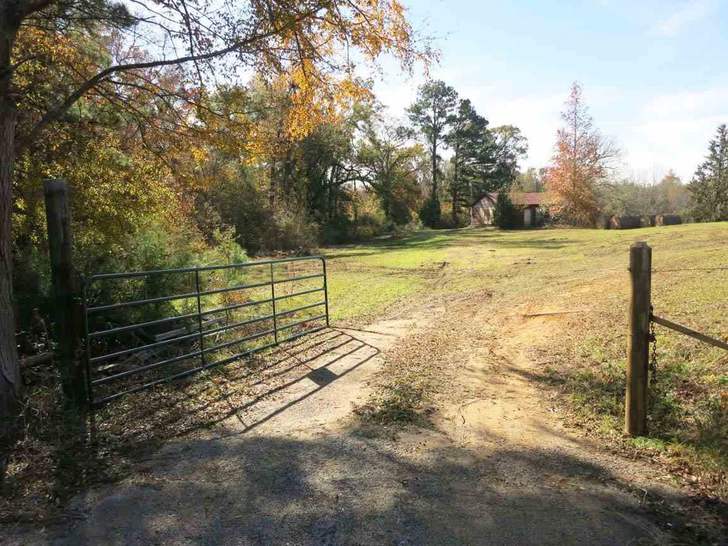 Photo of home for sale at 28466 USH 79, Jacksonville TX