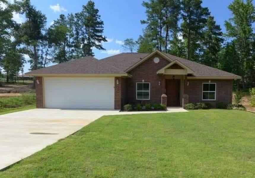 Photo of home for sale at 439 Spokane, Gladewater TX