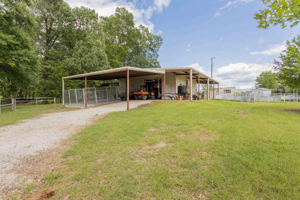 Photo of home for sale at 4536 FM 124 W, Beckville TX