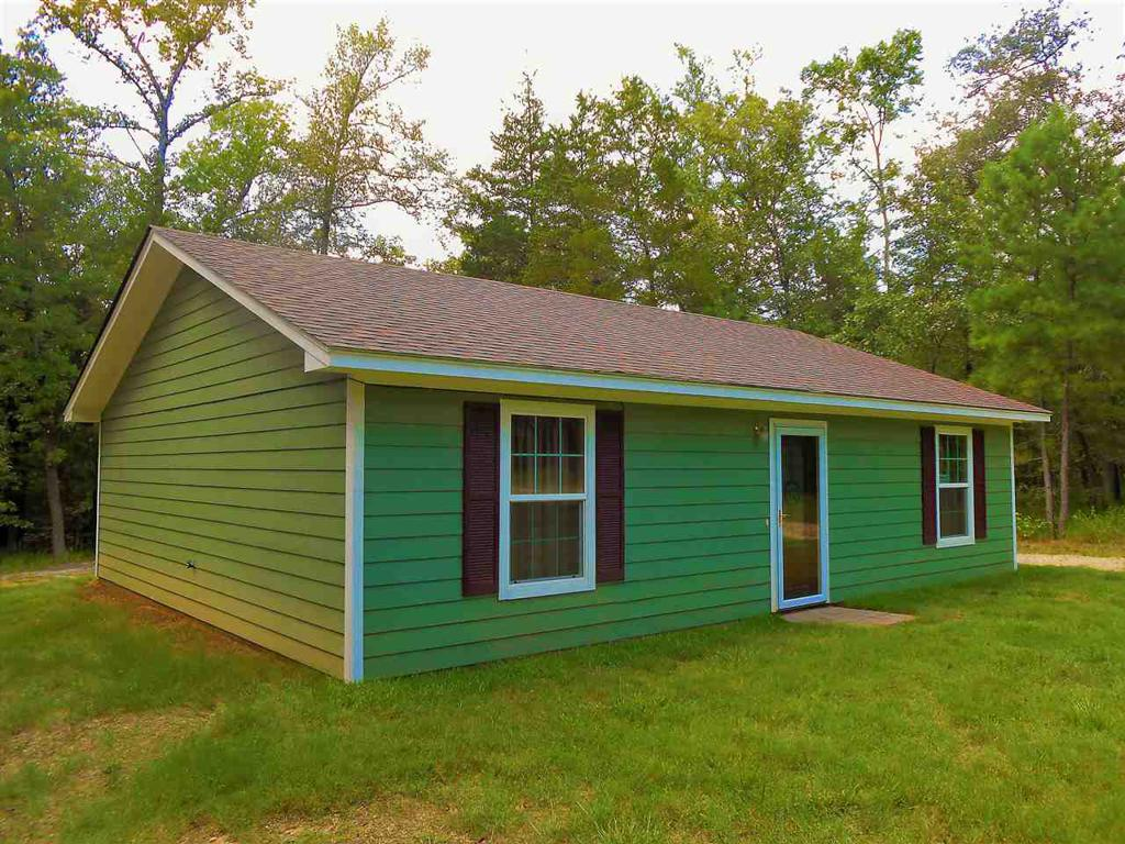Photo of home for sale at 164 County Road 1525, Avinger TX