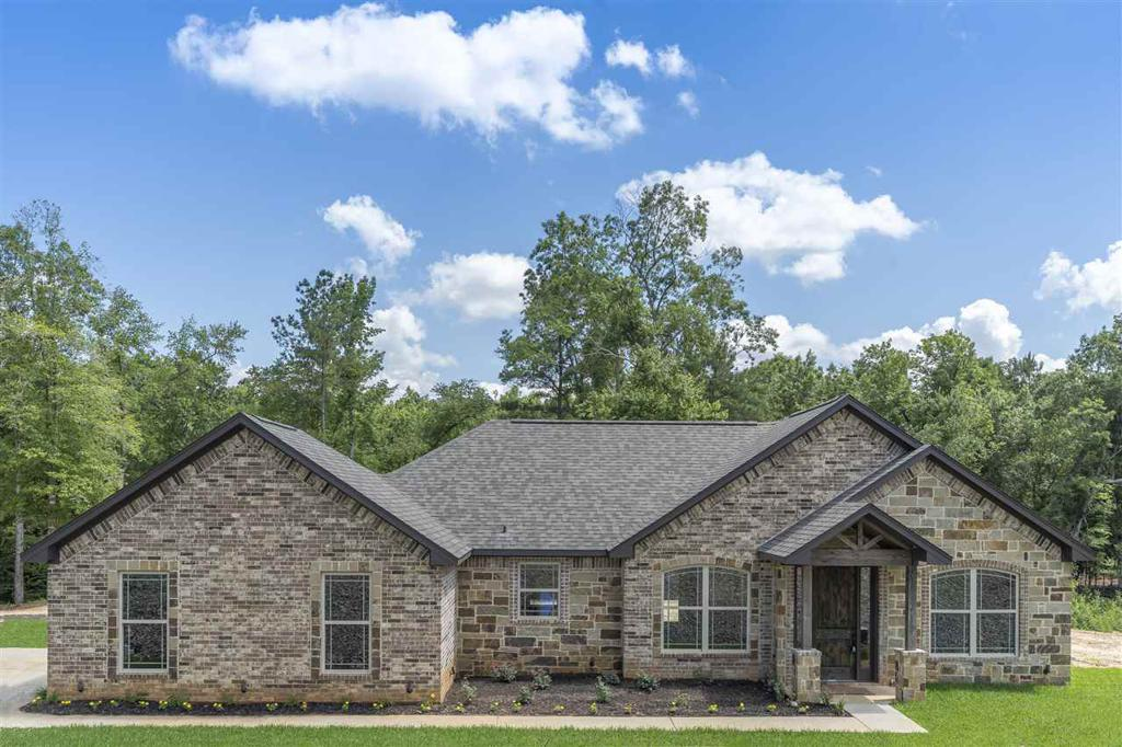 Photo of home for sale at 600 Spokane, Gladewater TX